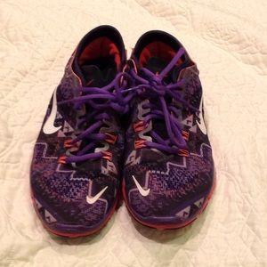 Nike Free 5.O women's tennis shoes.  Size 8.5